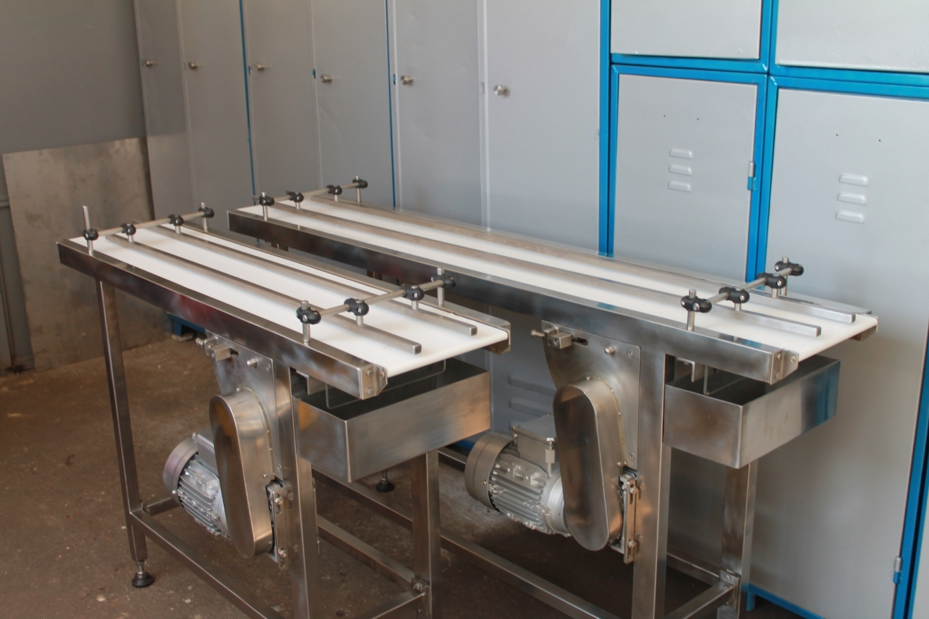 as rs and conveyors & company is the leading innovator in custom low temperature conveyor systems specifically designed to handle extremely cold conditions, our low temperature conveyors perform reliably in frigid environment applications such as frozen food for.