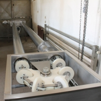 Tubular drag conveyor 12