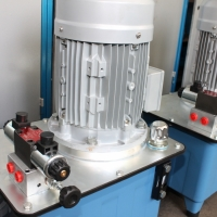 Hydraulic power units 7