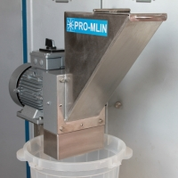 Mill for bread crumbs 2